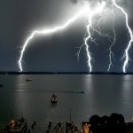 boats-and-lightning